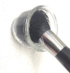化粧道具の洗浄方法